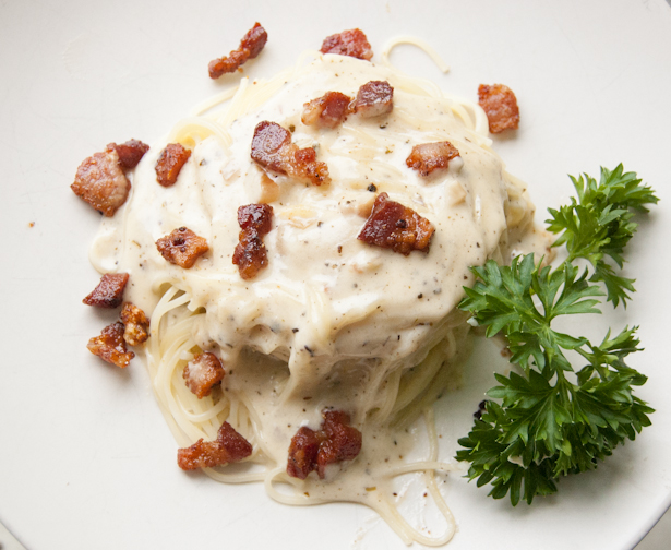 Stovetop Whiskey Bacon Pasta Cheese Sauce