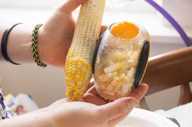 oxo-tools-bbq-Corn Stripper